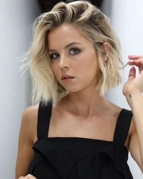 Hairstyles For Thin Hair Women